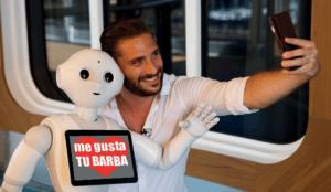 Selfie con Robot Pepper Grupo ADD