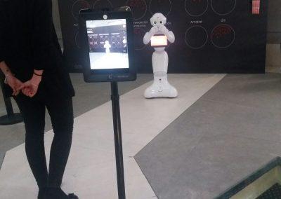 Doble O - fotomaton - Robot de Telepresencia de Grupo ADD