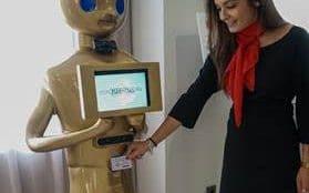 Robots para acreditación en eventos
